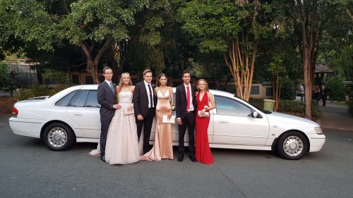 9paxlimo-formal-limo-hire-ipswich
